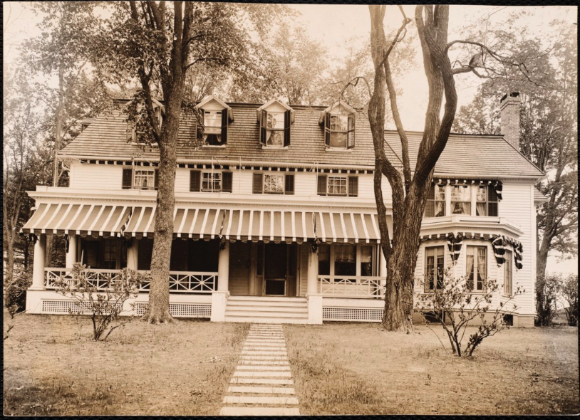 Historical photograph of the Birchwood Inn